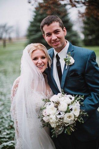White bridal bouquet, white wedding bouquet