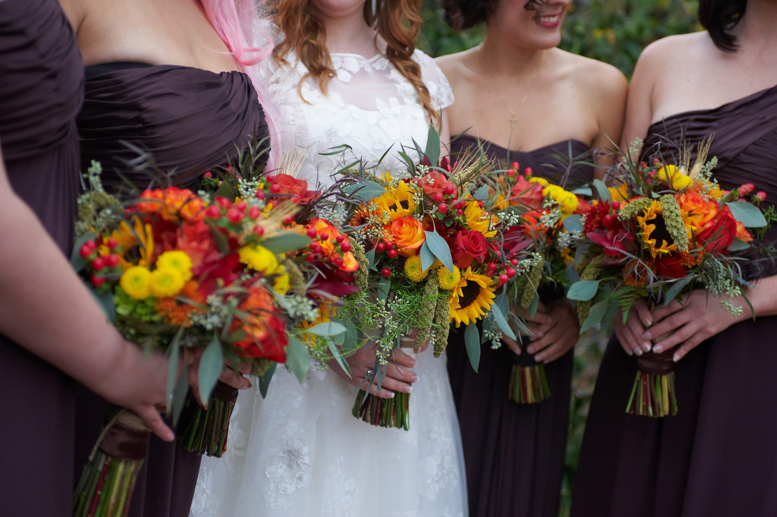 autumn wedding, sunflower bouquets, brown bridesmaid dresses