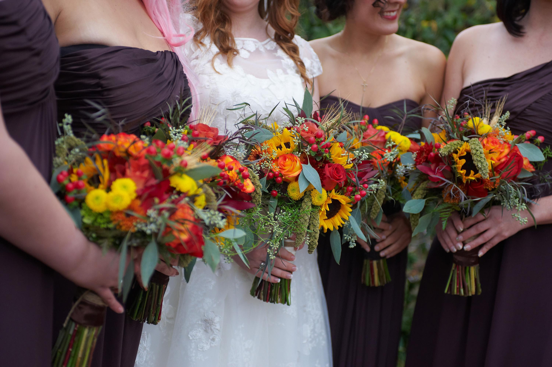 autumn wedding, sunflower bouquets, brown bridesmaid dresses