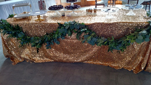 Dessert table garland