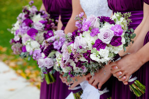 purple bridal bouqet