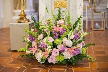 altar arrangement, altar flowers