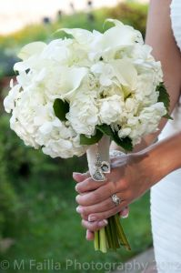 white wedding bouquet, white bridal bouquet, white calla wedding bouquet