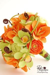 orange and green wedding flowers, autumn wedding bouquet