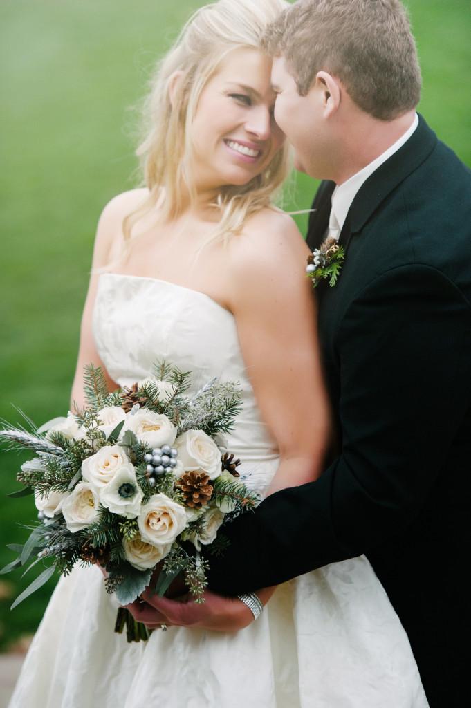 winter wedding bouquet, winter wedding, winter bridal bouquet