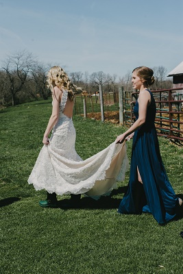 View More: http://karakamienskiphotography.pass.us/fry-wedding