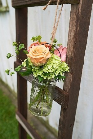 Hanging Hobnob vase for aisle decor