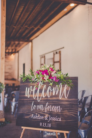 welcome sign wedding decor