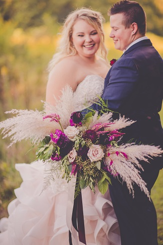 bride and groom, wedding photo, bridal bouquet