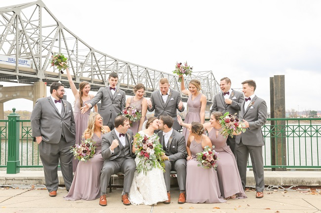 wedding party photo, Peoria IL riverfront, lavender bridesmaid dresses