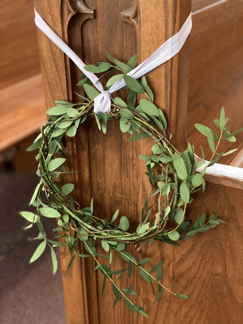 Pew Decor Wreath Tutorial